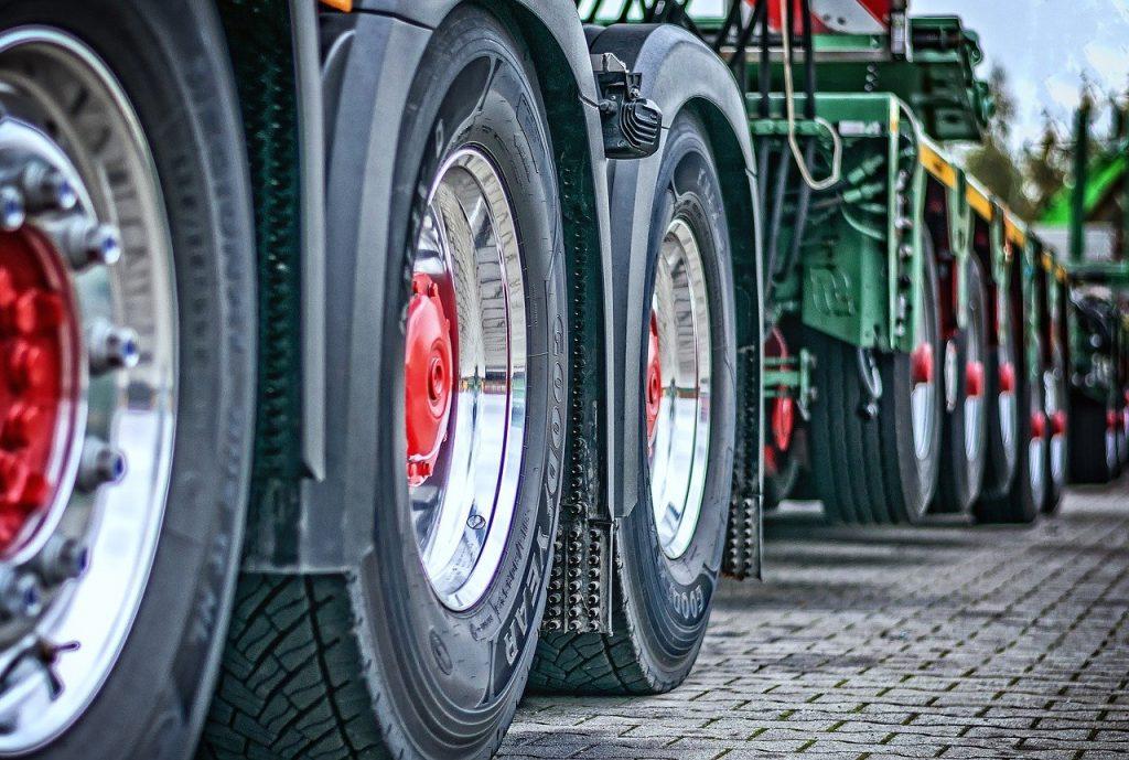 truck, heavy load, tractor-2920533.jpg